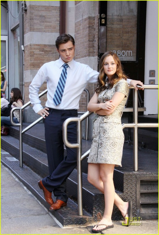 ed-westwick-leighton-meester-romantic-tension-05
