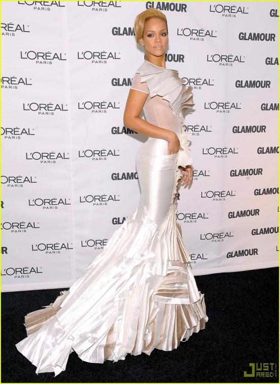 rihanna-glamour-women-of-the-year-awards-10